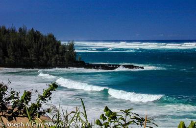 Lumaha'i Beach surf