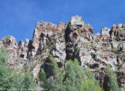 High mountains observed through the Vistadome