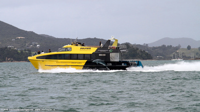 Fast boat in Bay of Islands