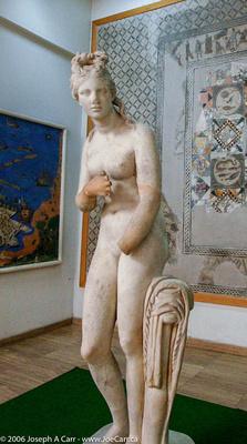 Marble Roman statue of Aphrodite