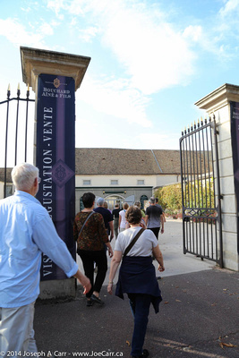 Rick Steves group enters the courtyard