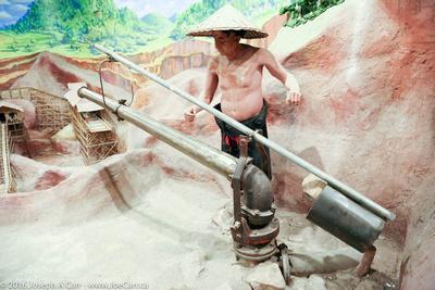 Hydraulic tin mining