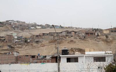 Slums built on sand dunes