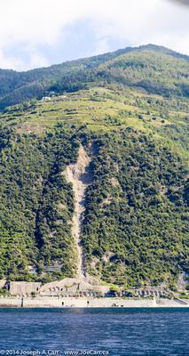 Huge landslide south of Corniglia