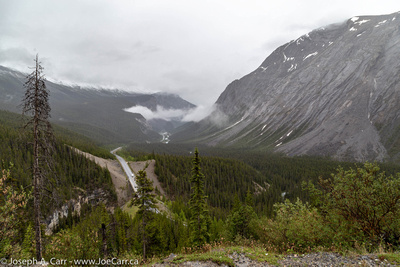 Icefields Parkway winding through the North Saskatchewan River valley
