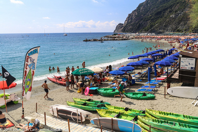A busy Sunday at Monerosso beach