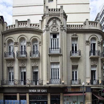 Tienda de Café in a neo-classical building