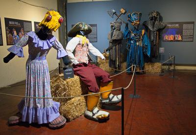 Gauchos patones & Murga La Clave carnival costumes