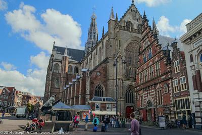 Grote Kerk and De Hallen Museum on Grote Markt Square