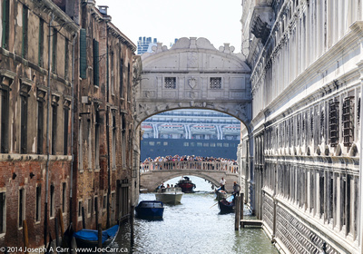 Bridge of Sighs behind the Doge's Palace