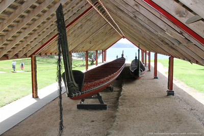 Giant canoe Ngatokimatawhaorua