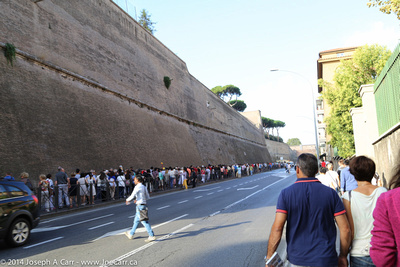 Lineup for the Vatican Museum & Sistine Chapel