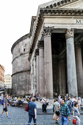 Front entrance to the Pantheon