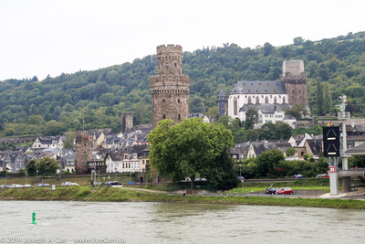 Oberwesel tower and church
