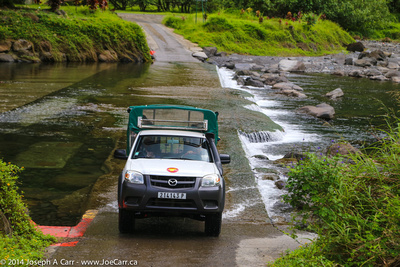 4X4 crossing the river