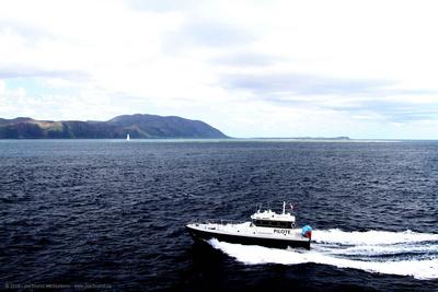 Pilot boat near SE tip of La Grande Terre