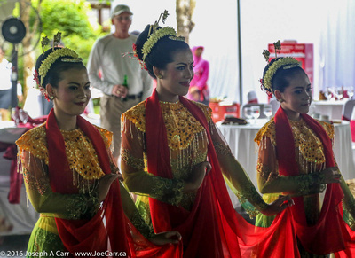 Young women performing traditional Javanese dance for us