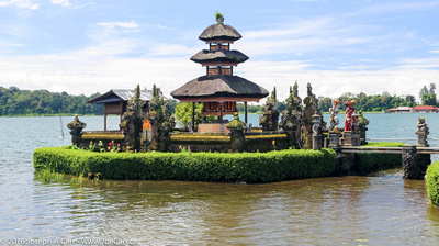 Decorative statues and temples on the lakeshore