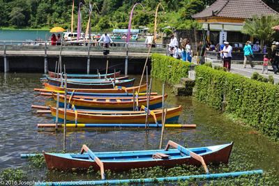 Fishing boats on Lake Bratan