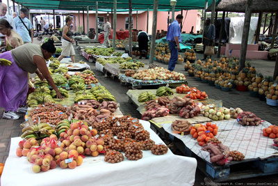 Roadside fruit & curio stand