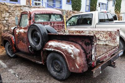 "Old truck ""La Bomba"""