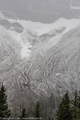 Aluvial fans of ice, snow and rock