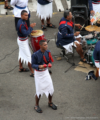 Fiji Police Band - pop/rock - cute dancing percussionists with rattles & conga drums