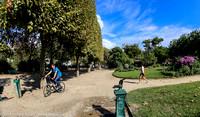 Walkway along the Champ de Mars
