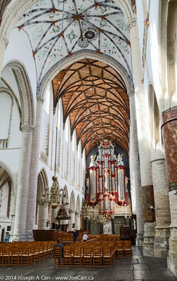 Arched main sanctuary with the giant organ on the far wall