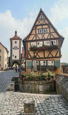 "Plönlein ""Little Square"" and Siebers Tower"