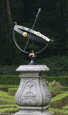 Sundial in the centre of the maze at the Meppel Summerhouse